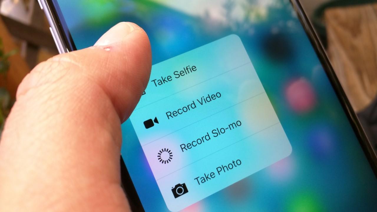 Jeg har en følelse av at vi kommer til å bli glade i 3D Touch, men funksjonen tar litt tid å bli vant med. Avbildet: Apples kamera-app når man trykker litt hardere på ikonet.