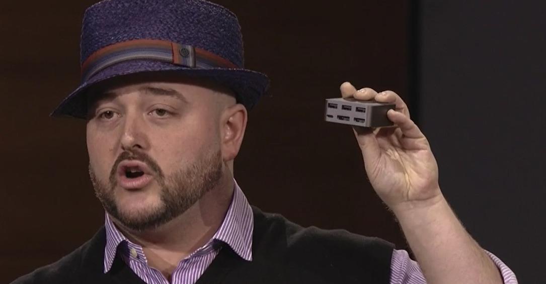 HDMI, DisplayPort og 3 USB-kontakter.