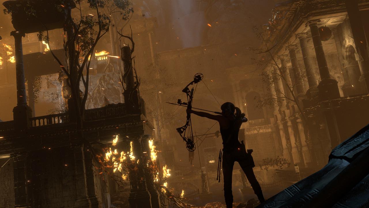 Lara Croft har med seg sin kjære pil og bue.