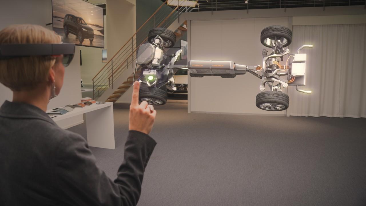 Hololens skal la deg utforske Volvo-biler før du kjøper.