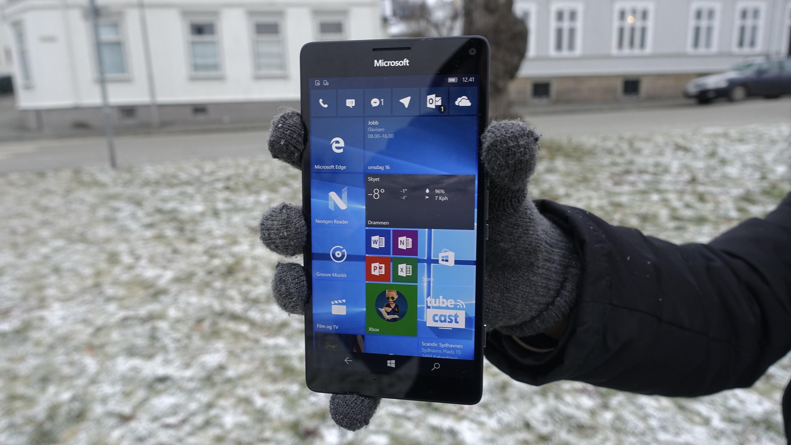 Hjemskjermen til Windows 10 Mobil er unik og flott.