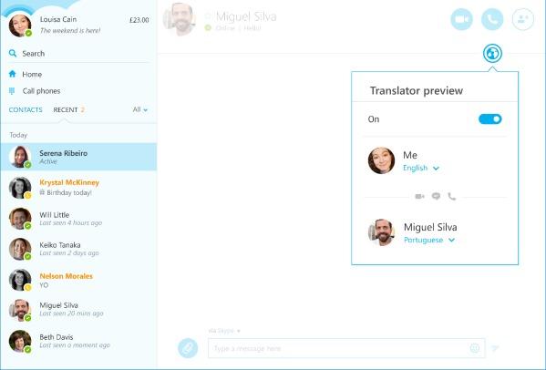 Trykk på globen i samtalevinduet for å få tilgang til oversetteren.