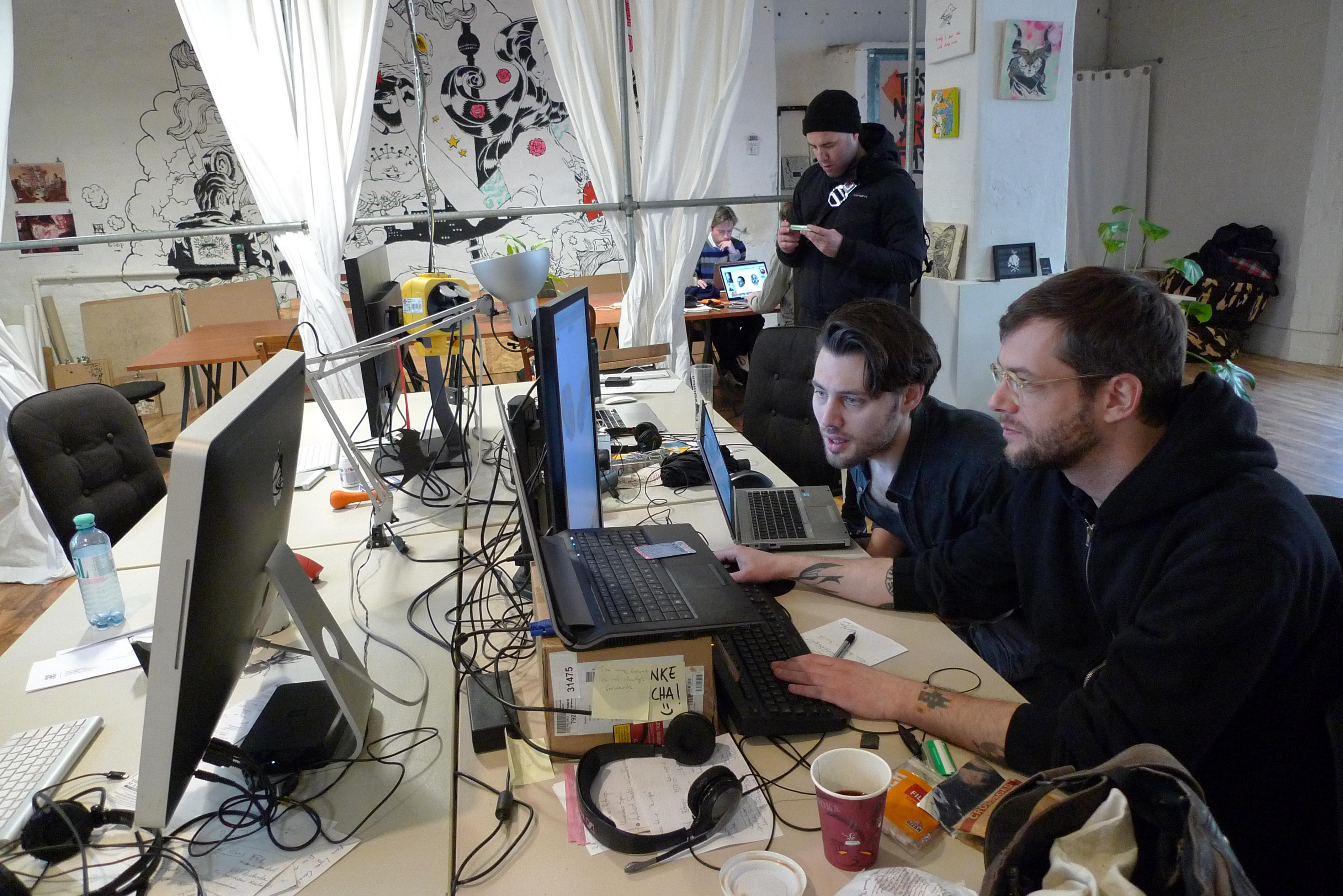 Michael og Johan utvikler.