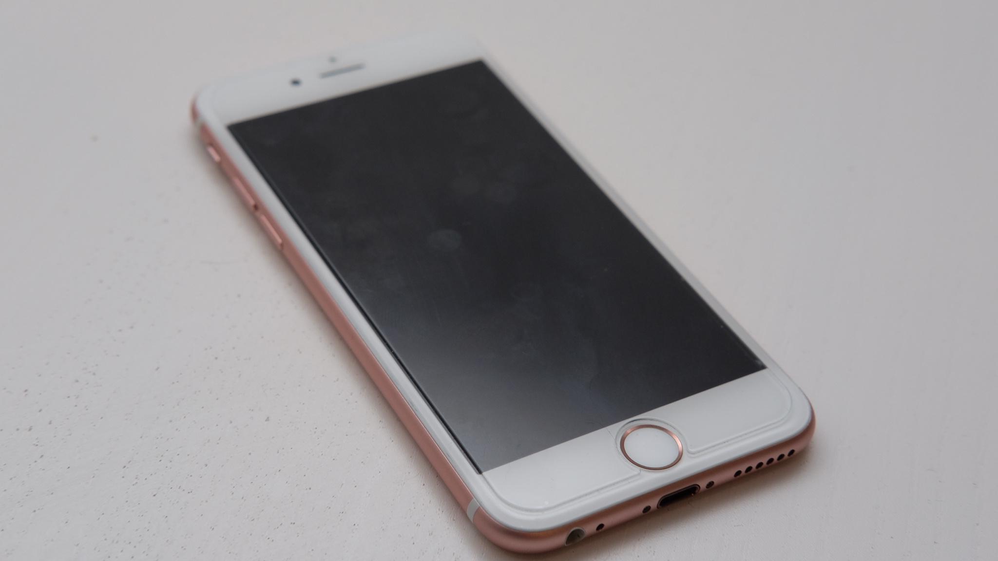 Denne gangen var det Apple iPhone 6s som trakk det lengste strået og får være med på tur.