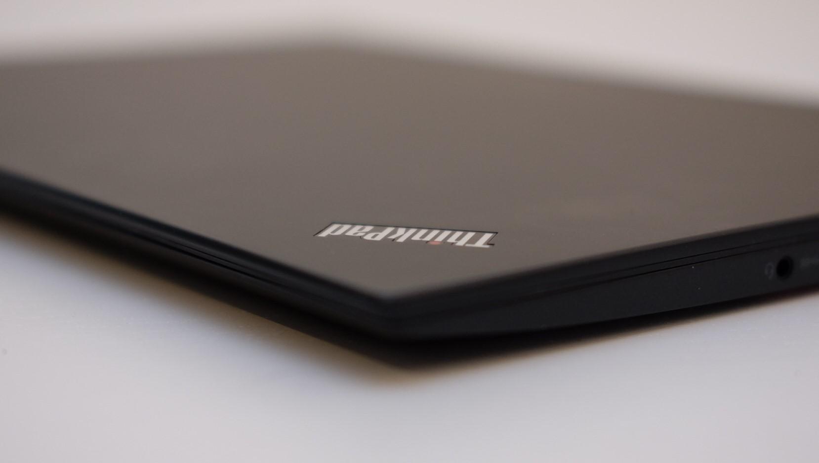 ThinkPad X1 Carbon er en lekker og lett PC.
