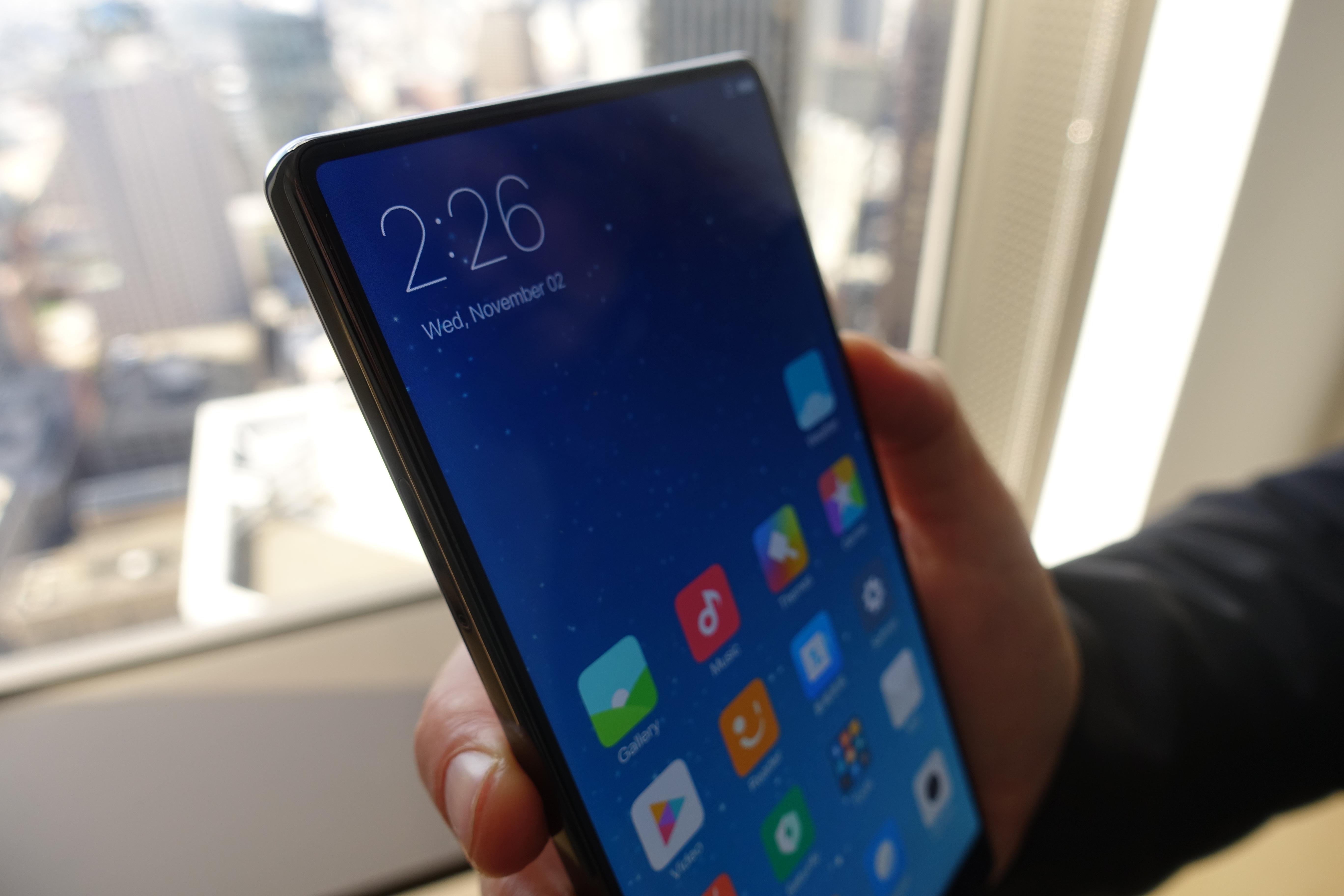 Rammeløse mobiler er fremtiden, liten tvil om det, men når kommer Google, Apple og Microsoft etter?