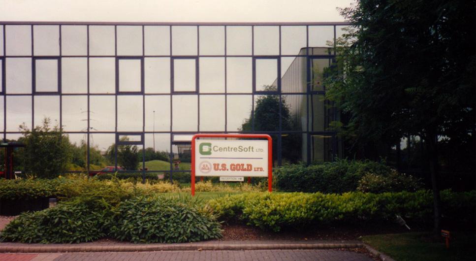 U.S. Gold (1984-1996) holdt til her i Birmingham i 1991.