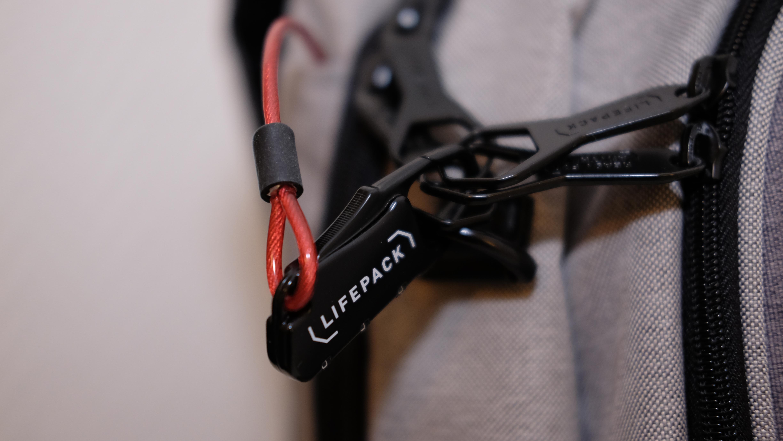 Ryggsekken Lifepack lader mobilen, beskytter laptoppen og