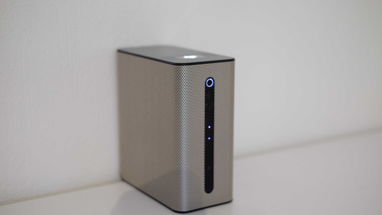 Xperia Touch er liten og kompakt.