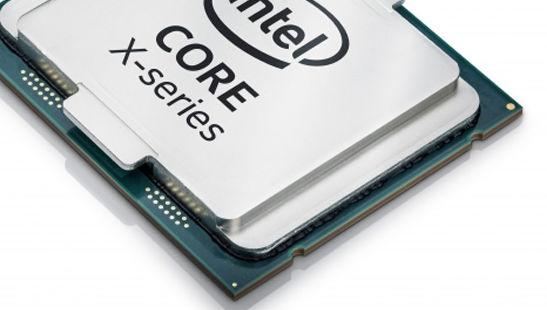 Intel nærmer seg 40 år og melder til alle i bransjen at de vil beskytte sine patenter, om det trengs. Avbildet er selskapets nye topp-CPU.