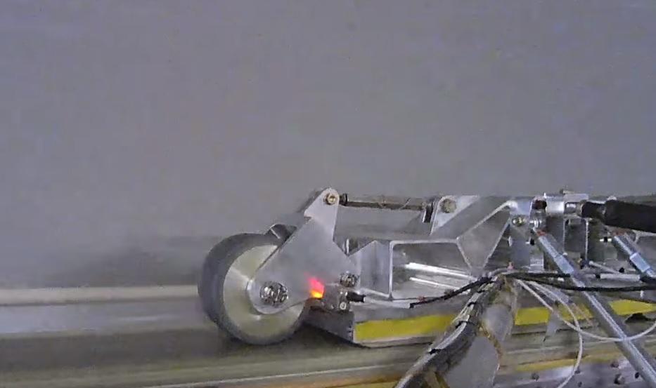 Hyperloop One har klart å flytte denne i et vakum ved hjelp av magneter.