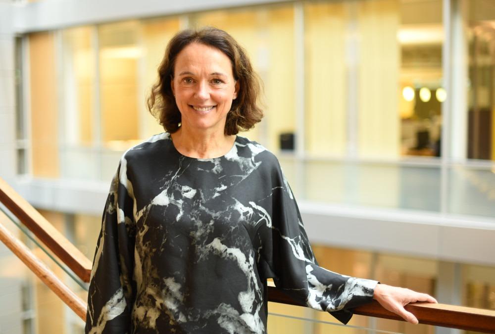 Birgit Bjørnsen, leder for TV og bredbånd i Telenor Norge, ber TV-brukerne om å oppgrare.