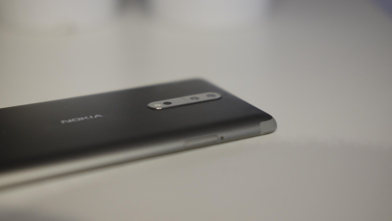 Nokia 8 med sitt tokameraoppsett.