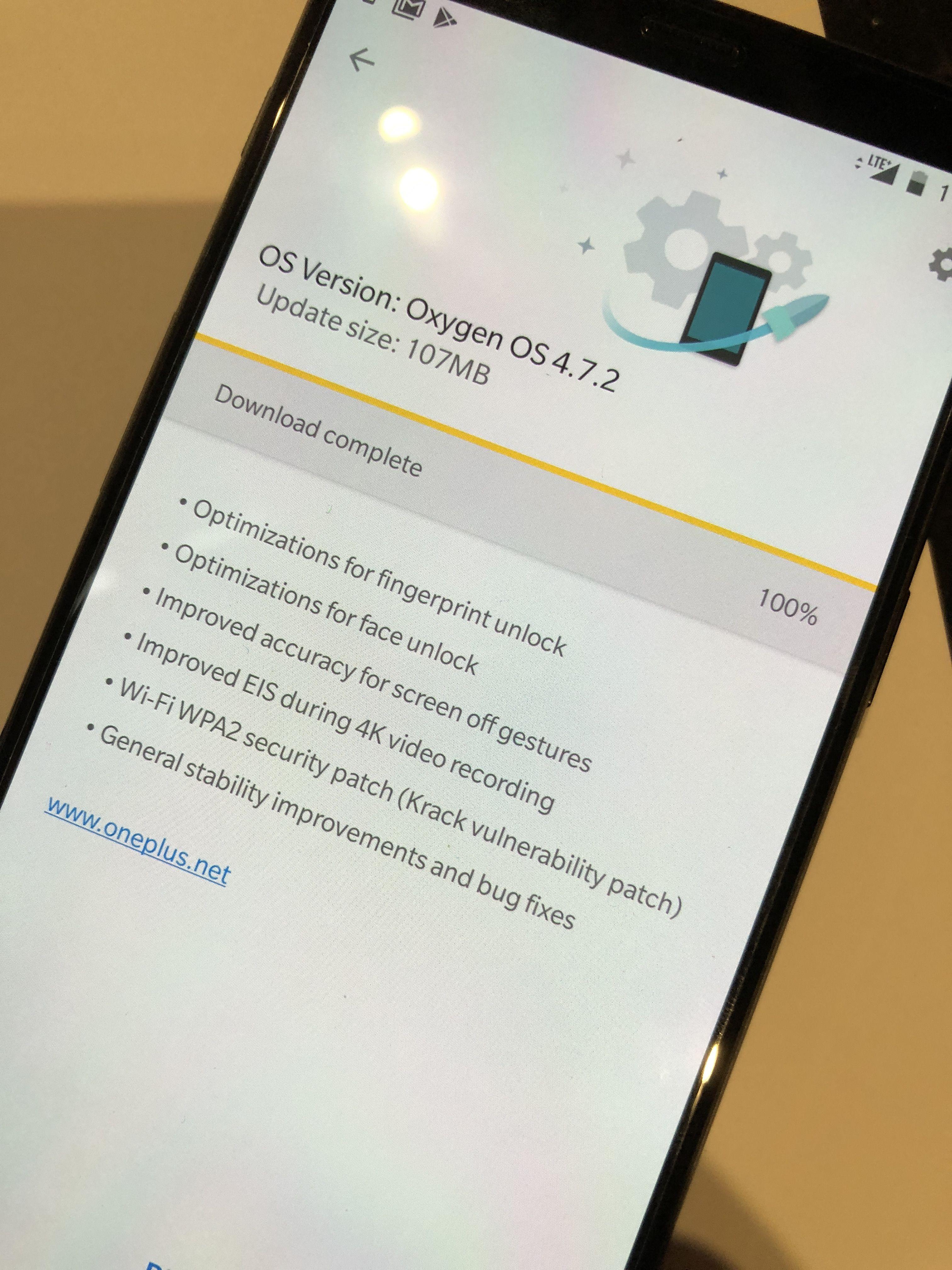 Android 8 beta-en er dessverre ikke lansert til 5T enda, kun 5 og 3-modellene. Det er uansett hyggelig å få oppdatert servert første gang man skrur på.