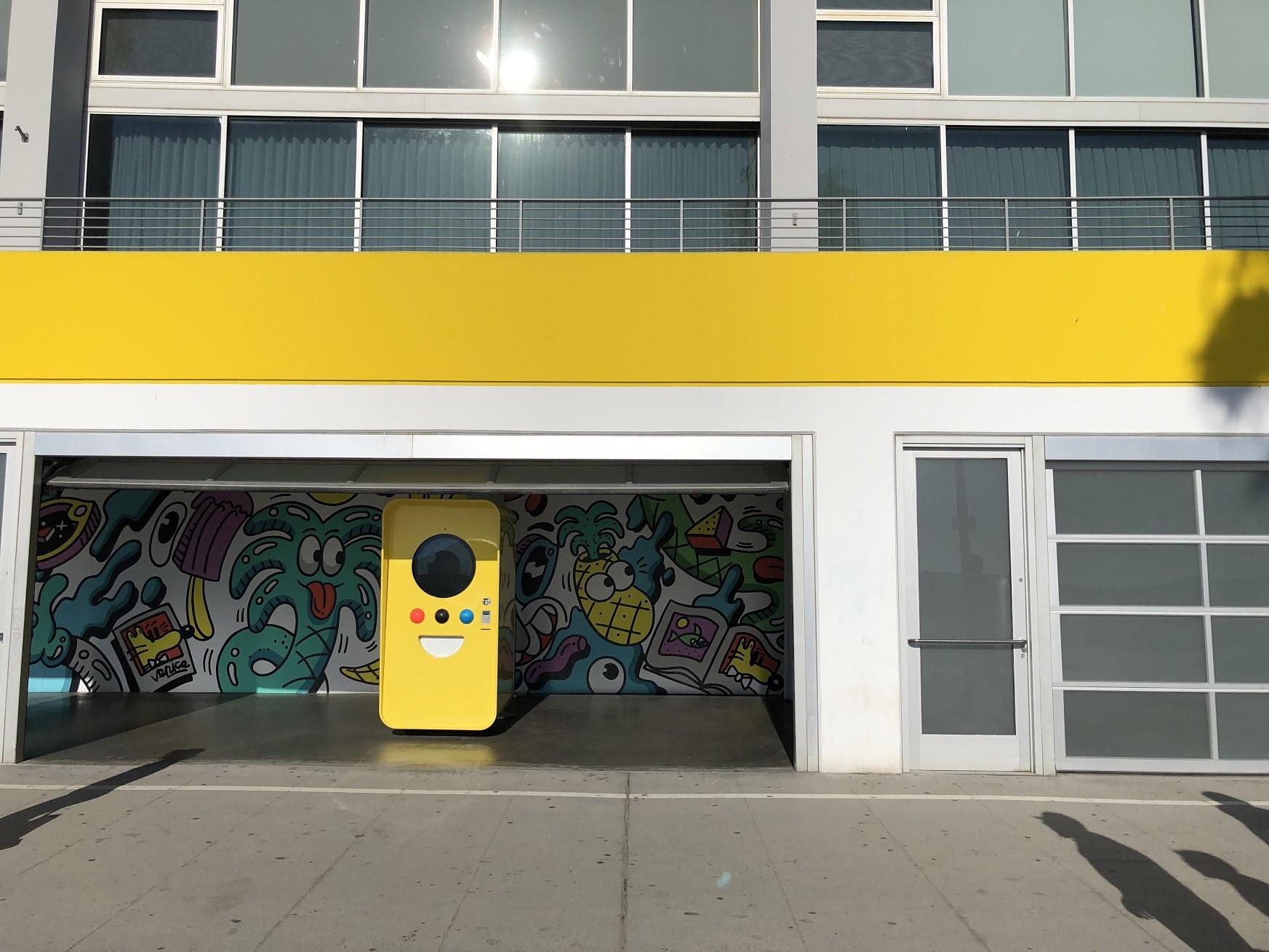 Snapchats pop-up-butikk rett ved egne lokaler i Venice Beach i California var ikke akkurat fullstappet forrige måned. Det er kjent at selskapet sliter med å kvitte seg med Snapchat-solbrillene med kamera.