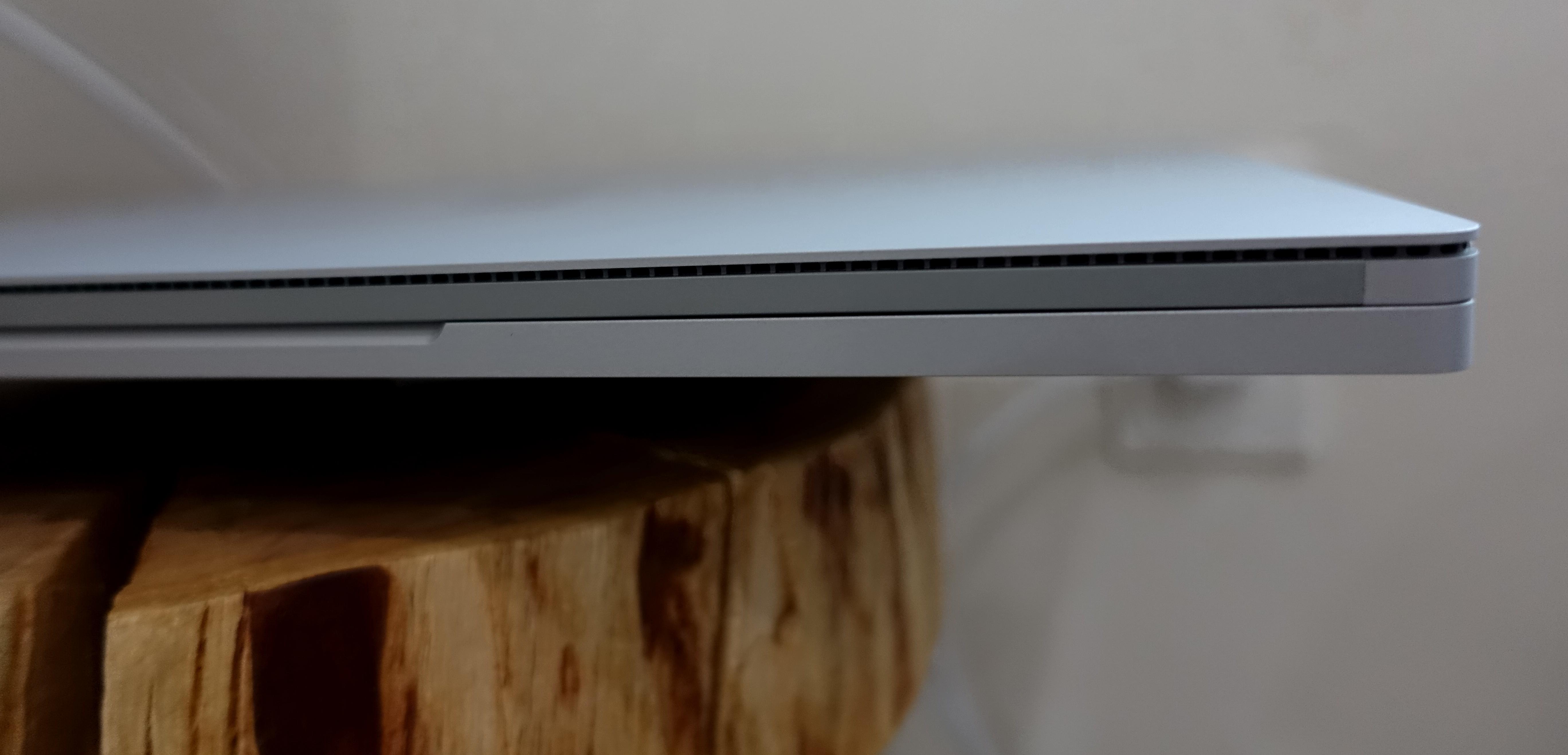 Dette er velkjent Surface-design, og vi liker det, selv om det begynner å dra på årene.