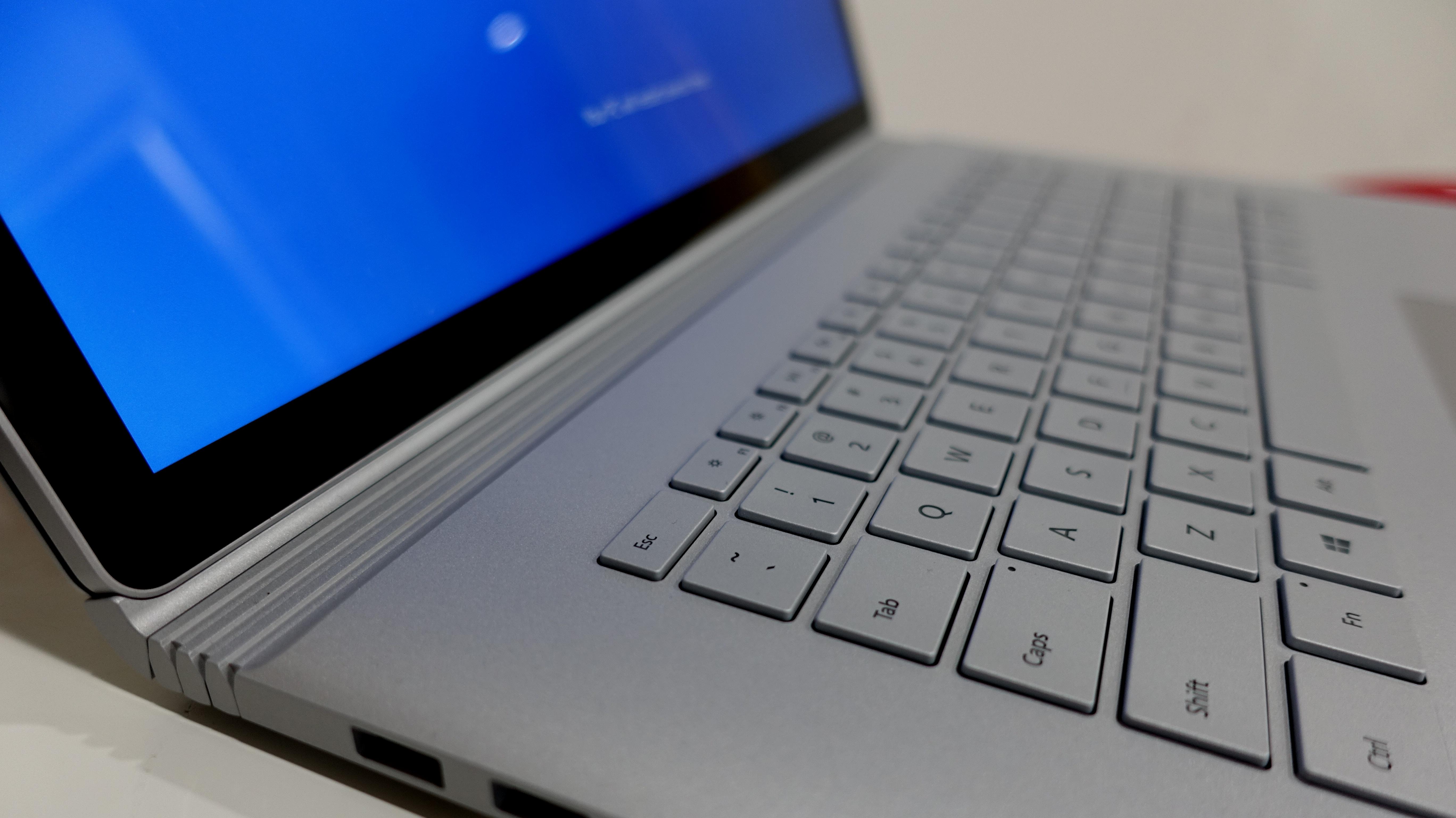 Surface Book 2 15 med i7 og 16GB RAM er en av, om ikke, den råeste bærbare på markedet.