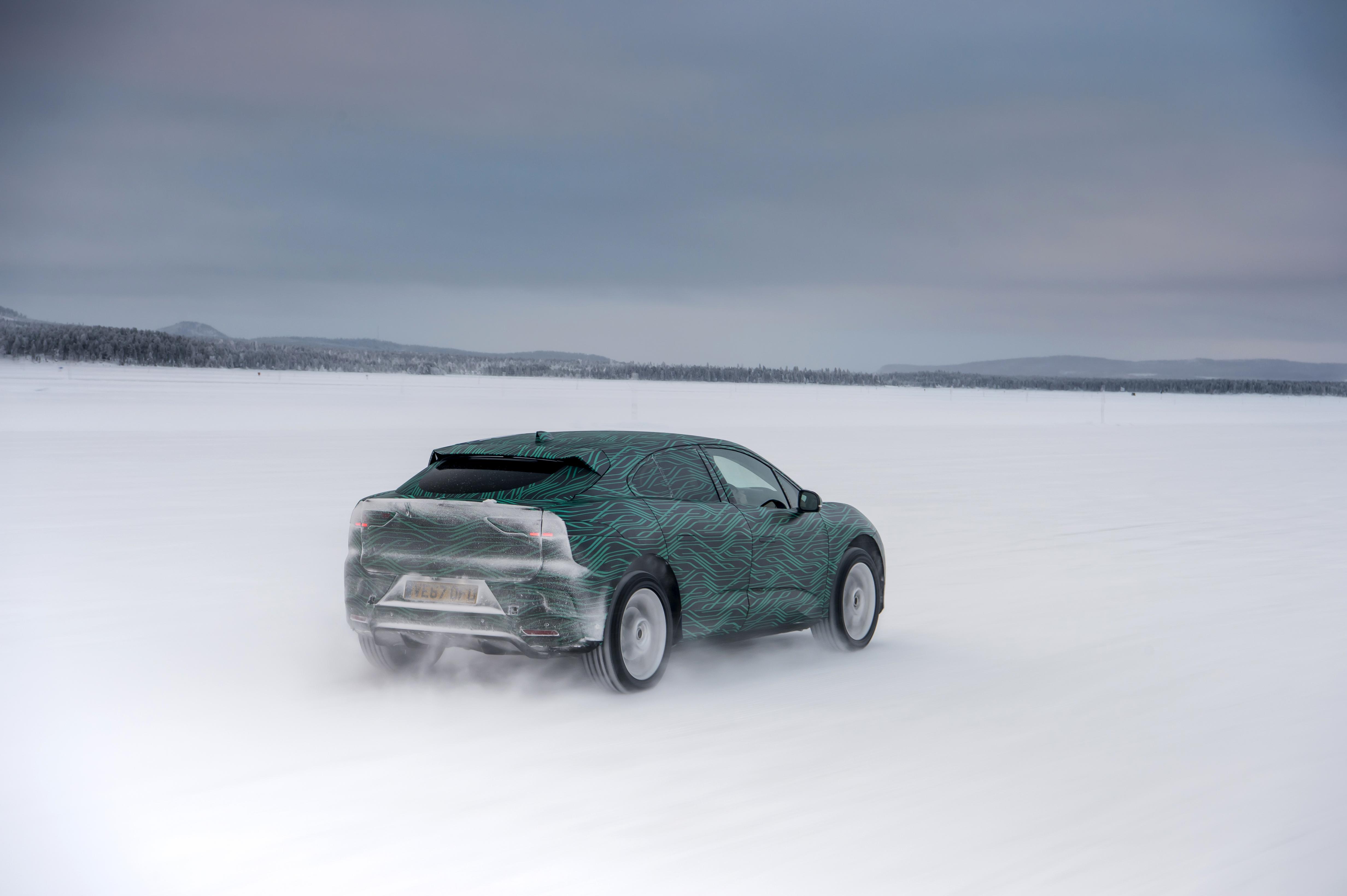Tesla Model X-konkurrenten i ekstrem kulde