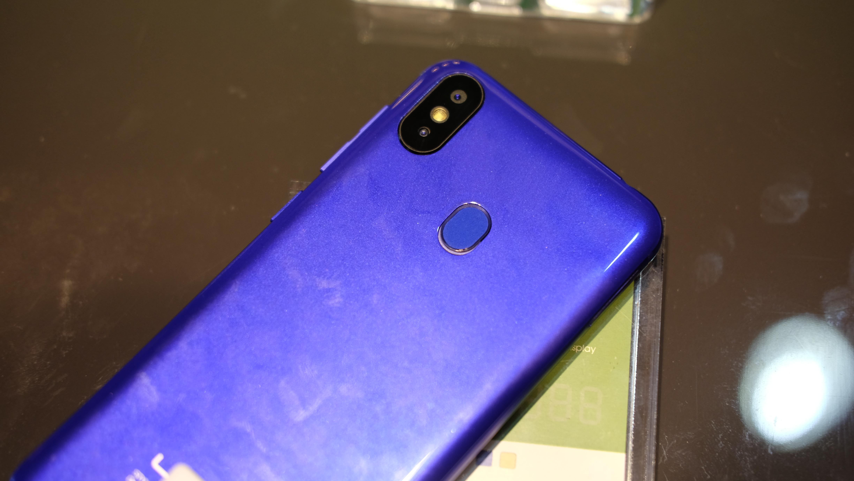 Kameraoppsettet likner også. S9 kan for øvrig skilte med fingersensor.