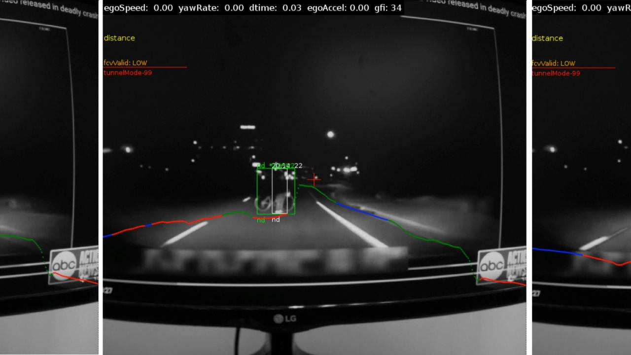 Ett sekund før sammenstøtet oppdager Intels Mobileye fotgjengeren.