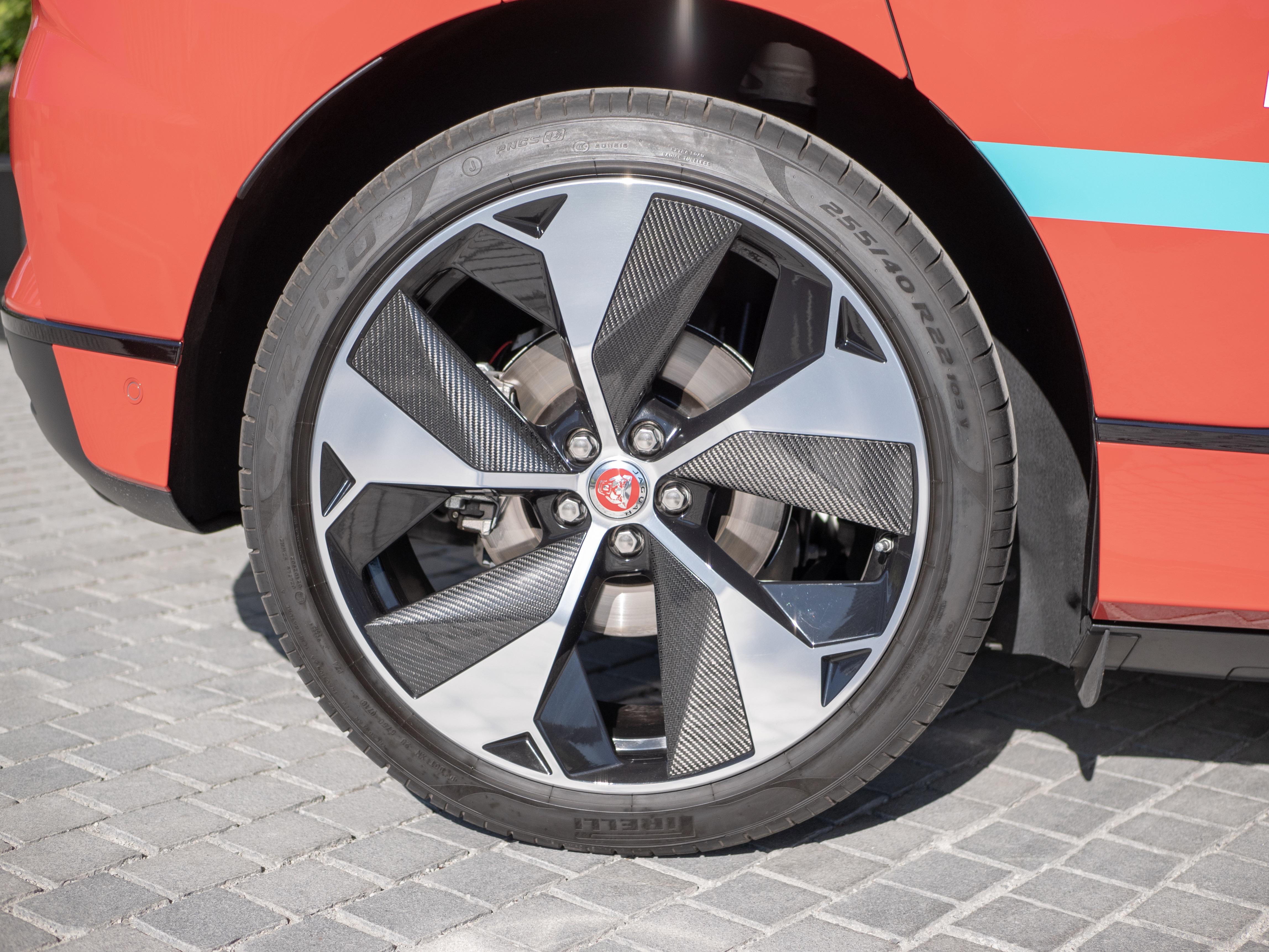Nei, denne bilen fortjener ikke å ha rust på bremseskivene.