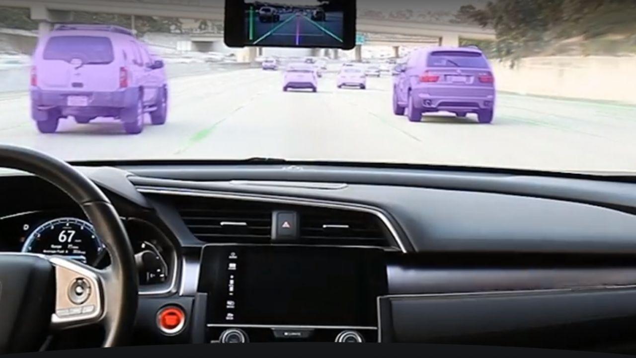 Verdenskjent iPhone-hacker kan utstyre biler med autopilot for 8000 kroner