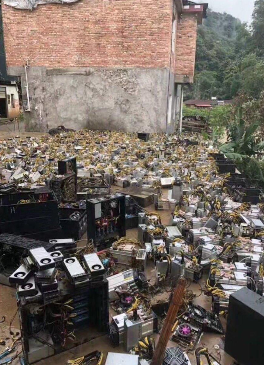 En rekke kryptomining-rigger ble ødelagt.