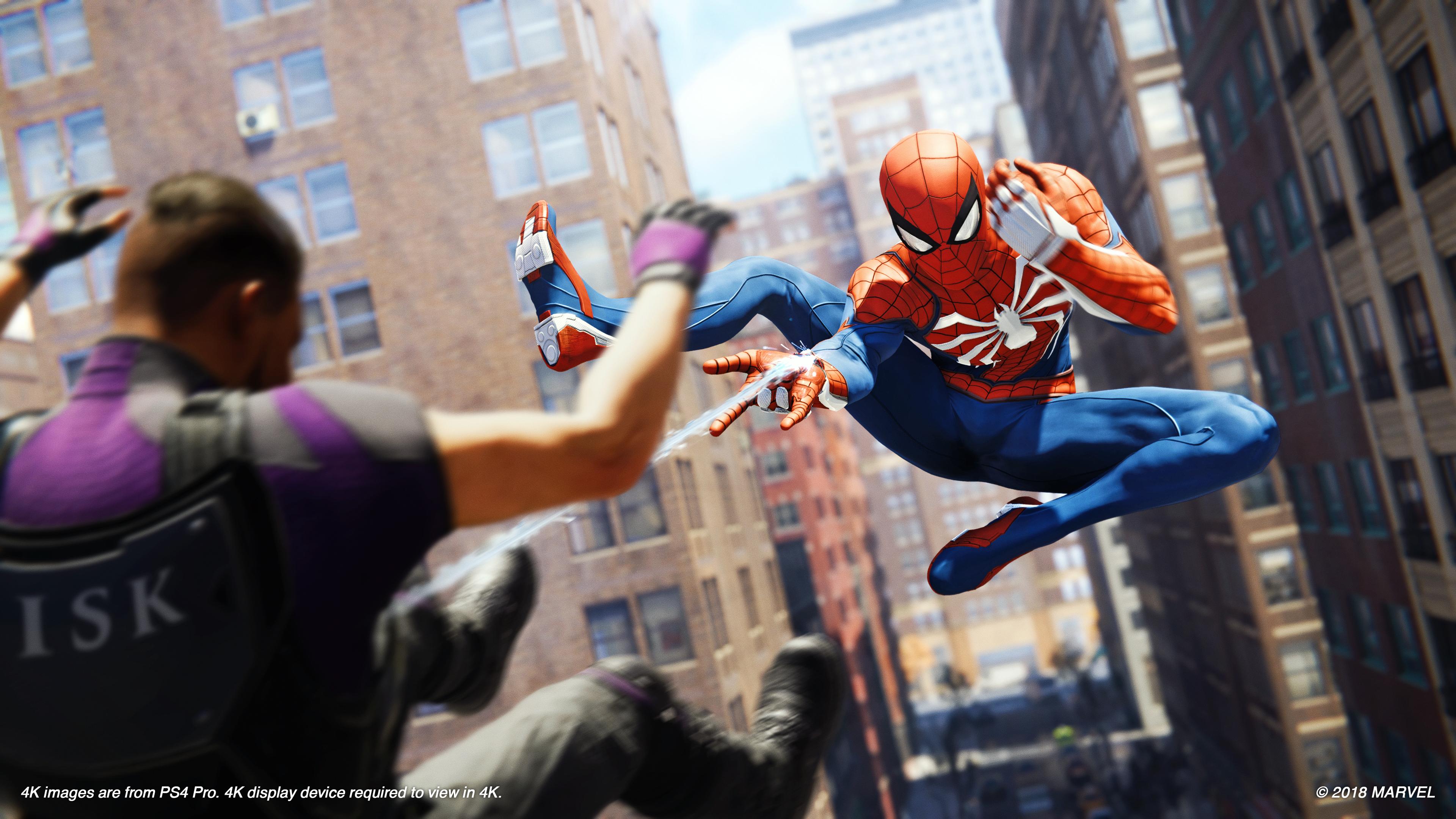 Underveis i spillet låser man opp nye ting som gjør Spider-Man-drakten mer avansert.