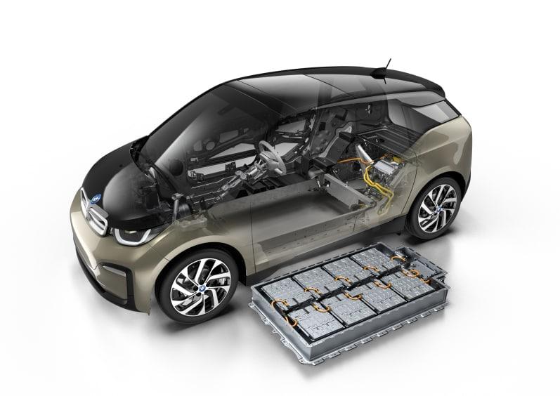 Størrelsesmessig er batteripakken så å si uendret.