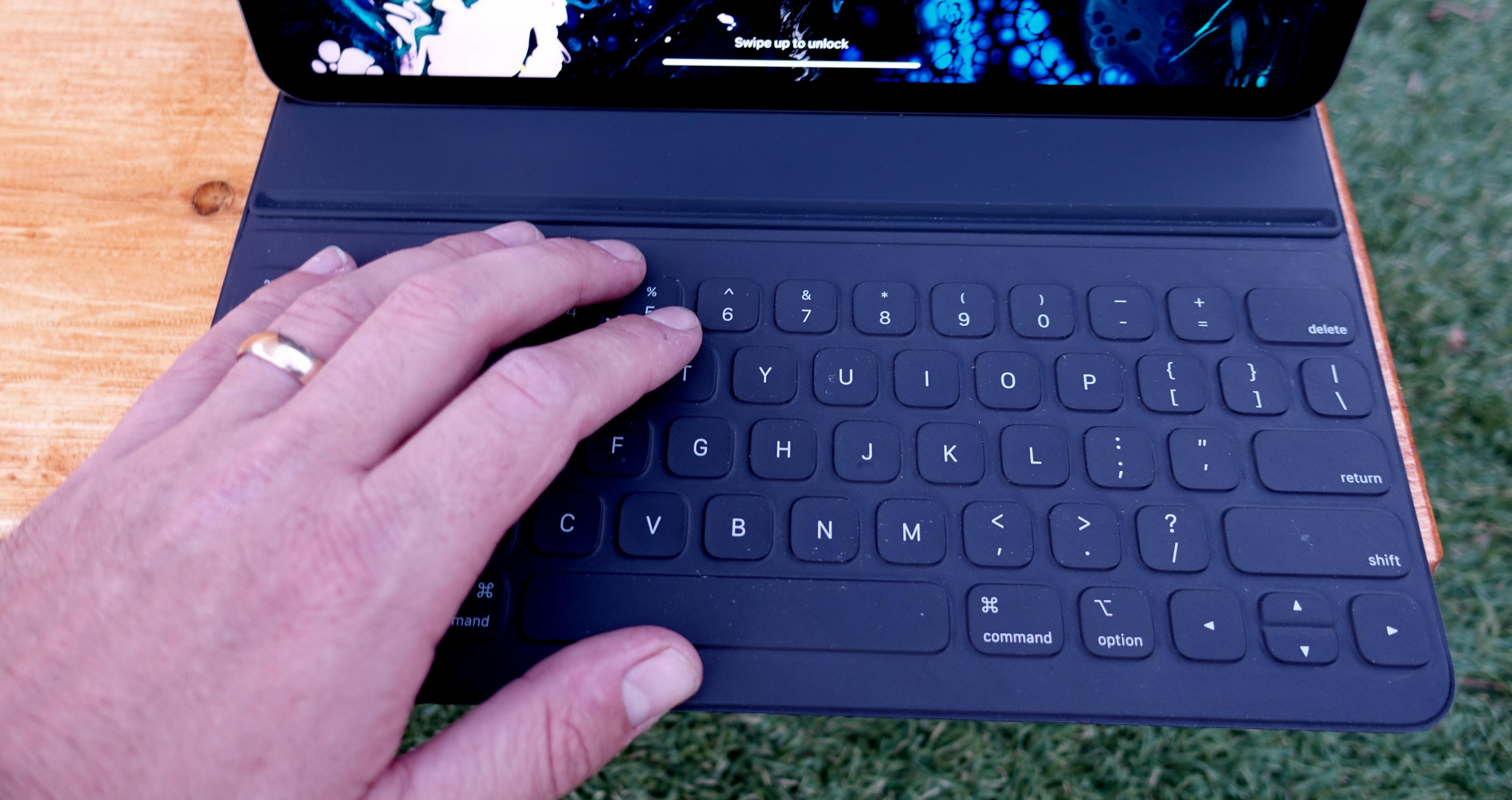 LITT MAGISK: iPad Pro med Magic Keyboard ITavisen