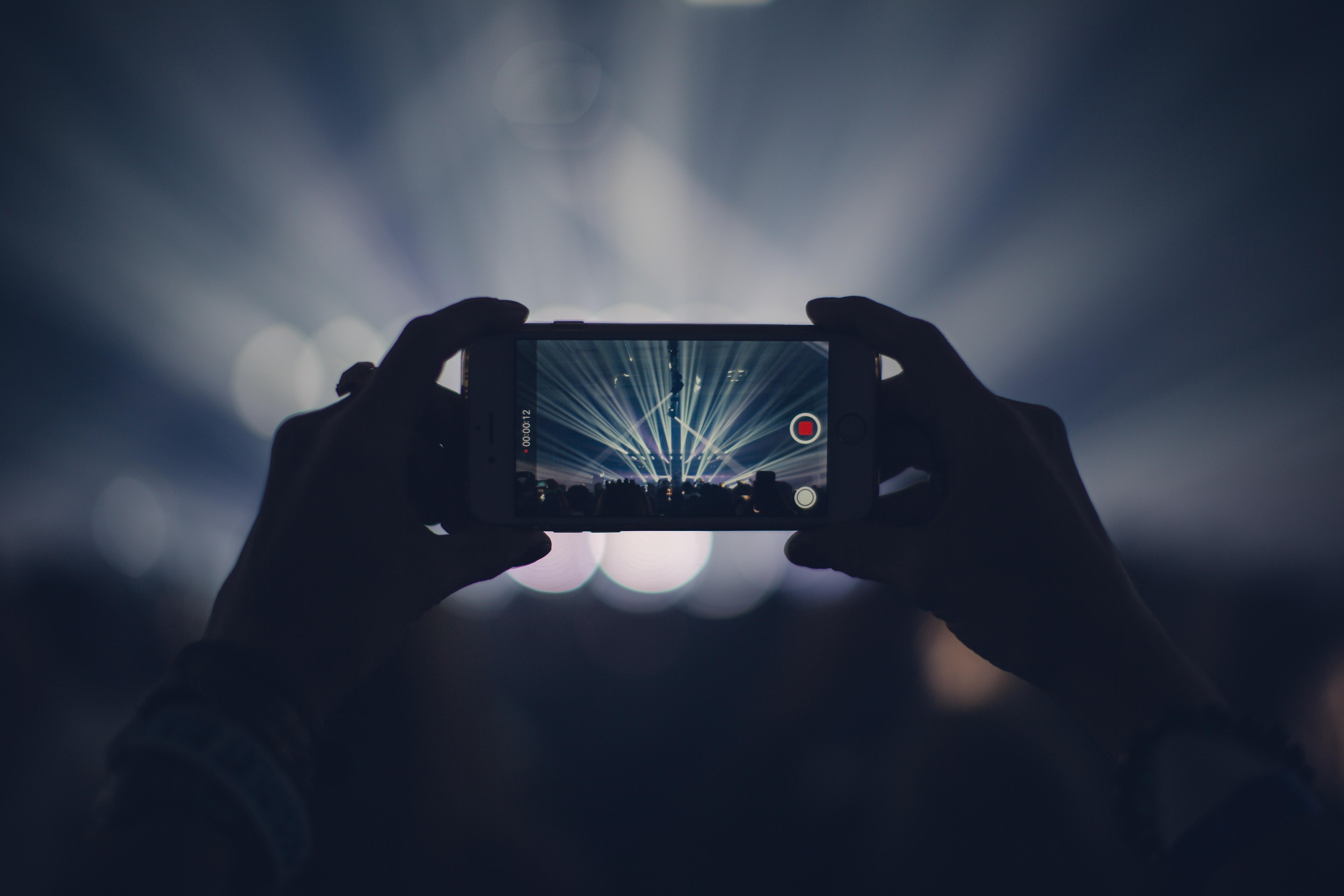 2018 ble det første året da smarttelefonsalget opplevde nedgang i samtlige kvartal.