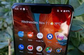 Det er funnet flere referanser til et mer sofistikert system for ansiktsgjenkjenning i Android Q, noe som er Googles forsøk på å innhente Apples Face ID.