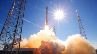 rocket-launch-693192__340
