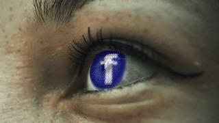 Tyskland sier Facebook må stoppe den hensynsløse datainnsamlingen fra brukerne.