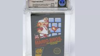 """Dette uåpnede eksemplaret av """"Super Mario Bros"""" gikk for mer enn 100 000 dollar under en auksjon."""