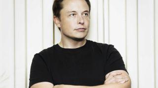 Tesla-grúnder Elon Musk er søndag på plass i Norge.