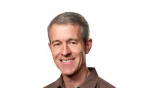 Jeff Williams har lang fartstid i Apple, og legger ikke skjul på at han er oppmerksom på beskyldninger om altfor dyre produkter.