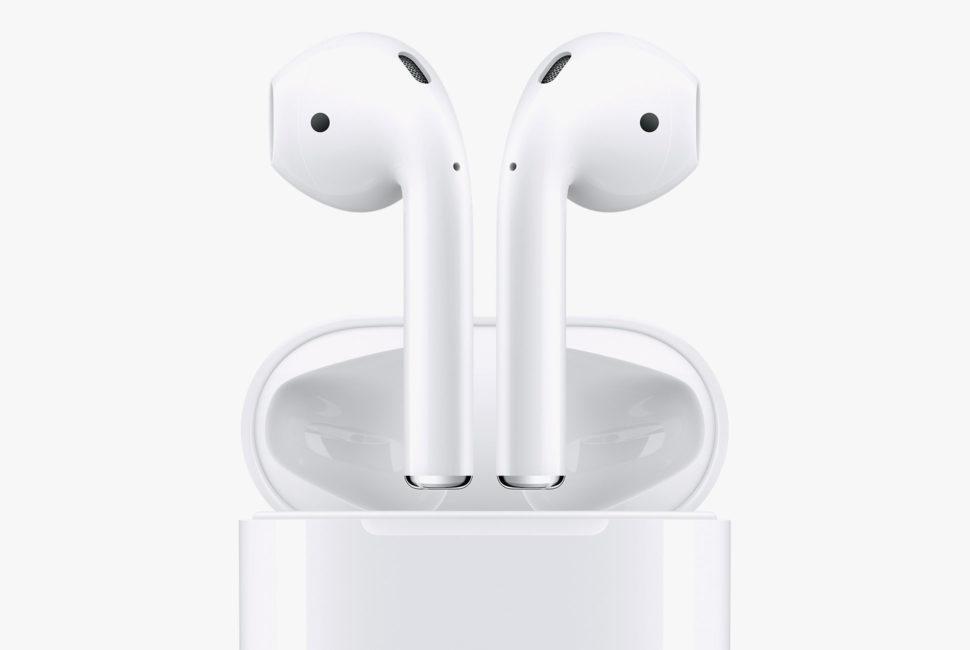 Apple har i det stille oppdatert AirPods 1 - eiere melder om bedre lydkvalitet