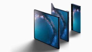 Bildet viser en Huawei Mate X - blir Apples svar på foldbare telefoner lik denne?