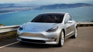 Elon Musk forteller at man oppnår produksjonsvolum i midten av 2019.