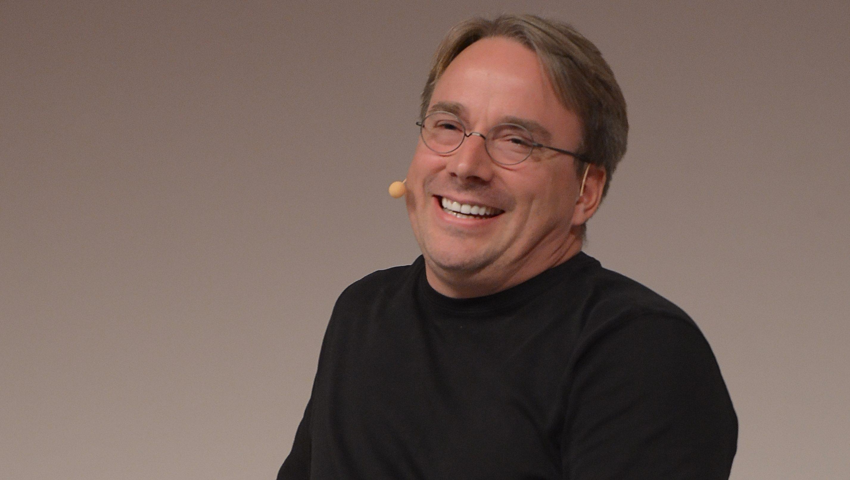 Linus hater sosiale medier: - Du bør være ulovlig å publisere sinnsvake tirader anonymt
