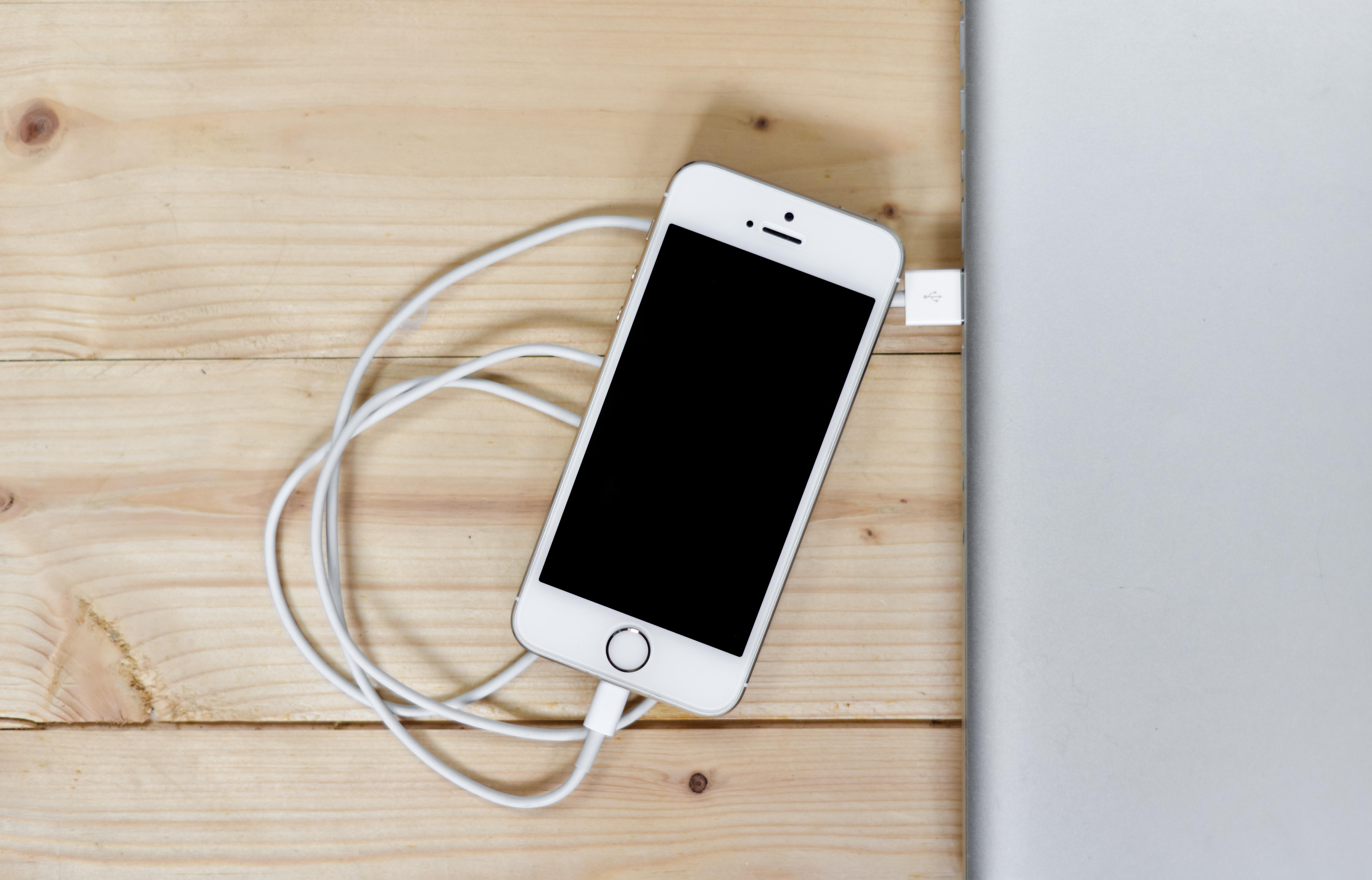 iPhone 8 kommer til å lade tregt, og det er ikke den eneste
