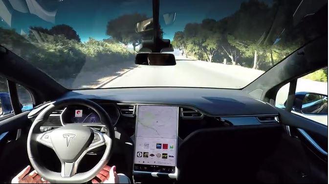 Ny autopilot-rapport: flere ulykker, men fortsatt færre enn når mennesker kjører