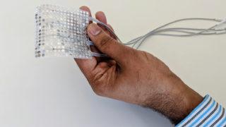 Dette implantatet gjør om hjerneaktivitet til tale