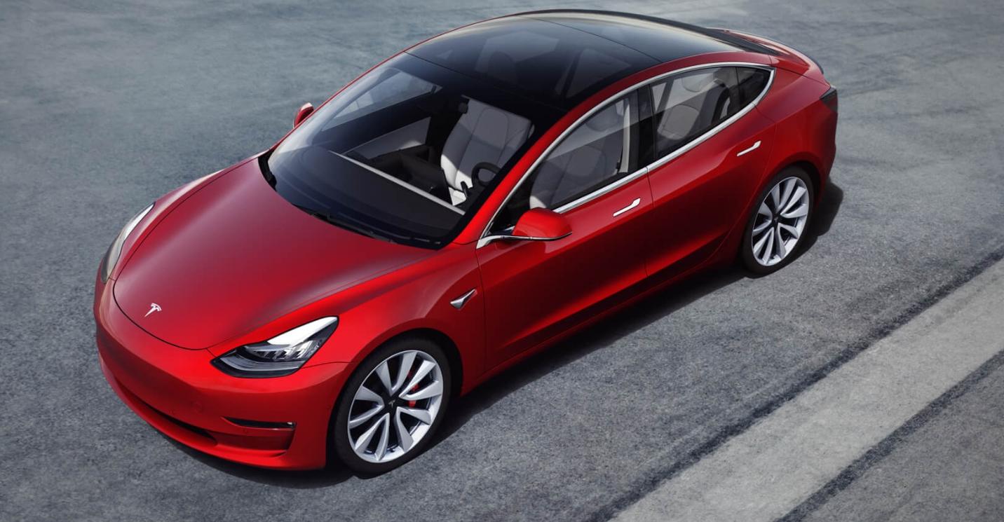 I Model 3-speilet ligger Musks mesterplan for å ta Uber og Lyft