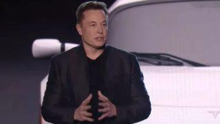 Musk: - Tesla skal utvikle elektrisk løvblåser