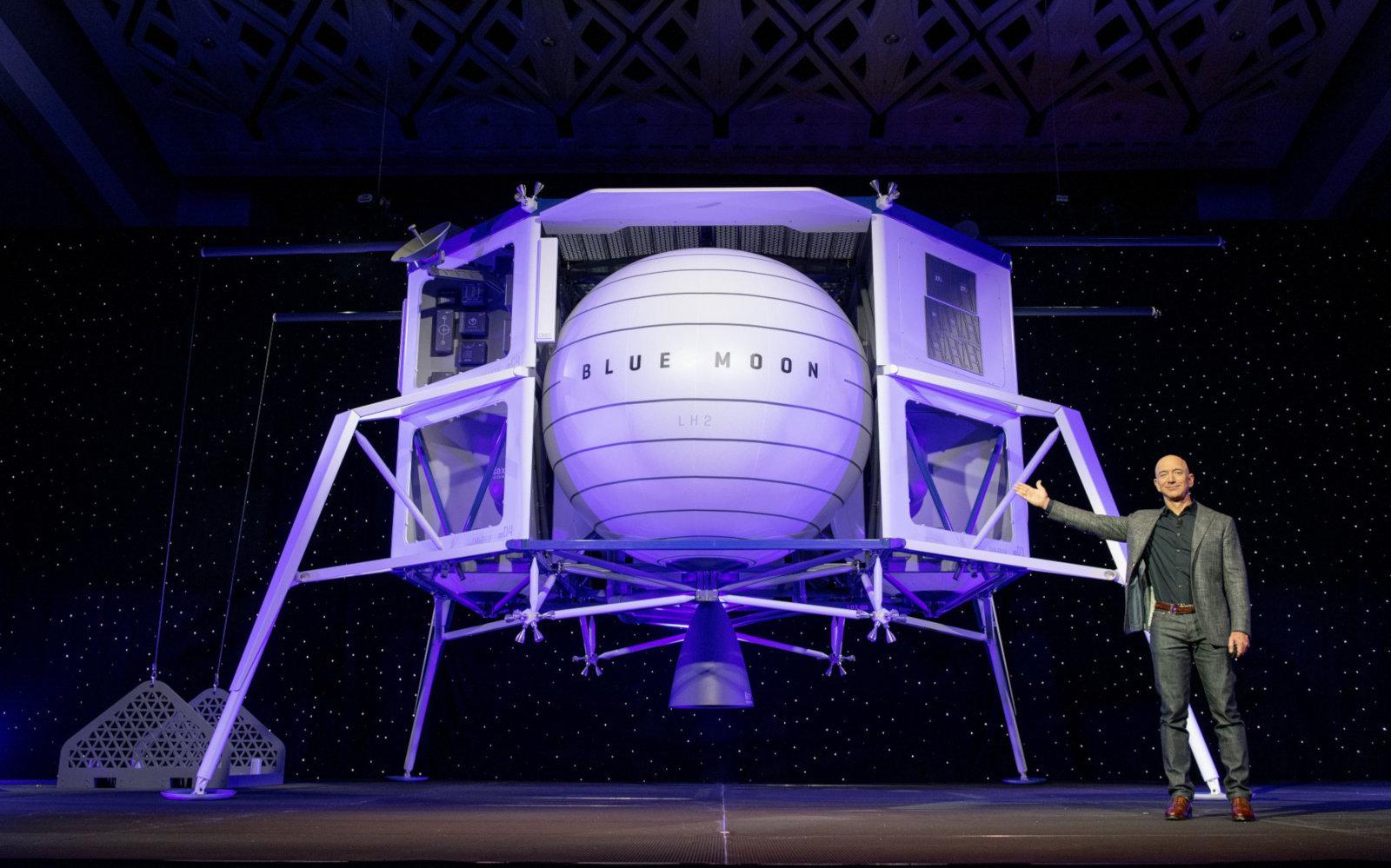 Jeff Bezos vil bosette mennesker på månen
