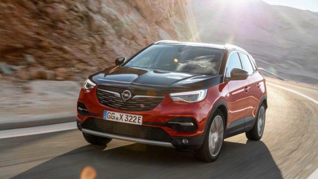 Opel med hybrid-overraskelse: 300 hestekrefter og firehjulstrekk