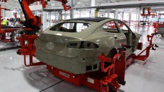 Tesla kommer med nød-oppdatering etter at Model S tok fyr