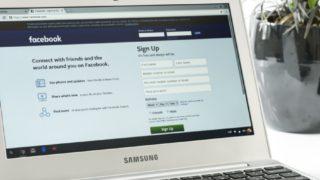 Facebook dømt til å frigi informasjon om personvern-brudd.